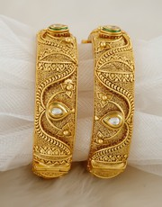Buy an Extremely Beautiful Collection of Bridal Bangles Design Online