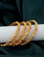 Buy Bangles Set for Saree Online at Low Cost by Anuradha Art Jewellery